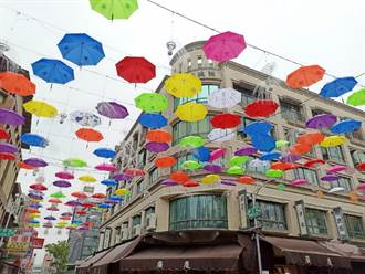 高雄後驛商圈吹文青風 打造網美天空傘