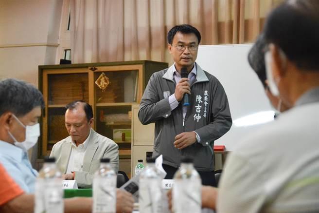農委會主委陳吉仲9日與高雄養豬產業座談。(林宏聰攝)