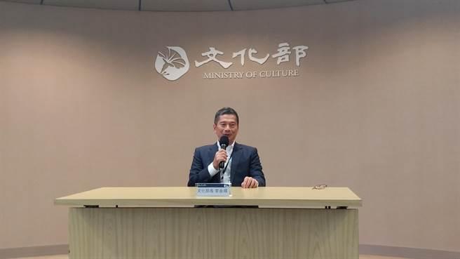 文化部長李永得認為,國民黨卻動用黨團力量,要求審查委員不得出席投票,此舉是赤裸裸「政治綁架」。(王寶兒攝)