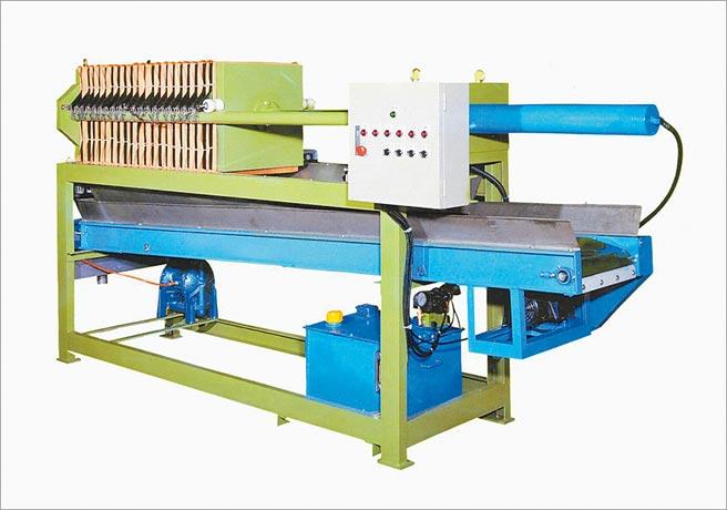 順琿製造的板框式壓濾機具有環保、省電、產業面應用廣等優點。圖/業者提供