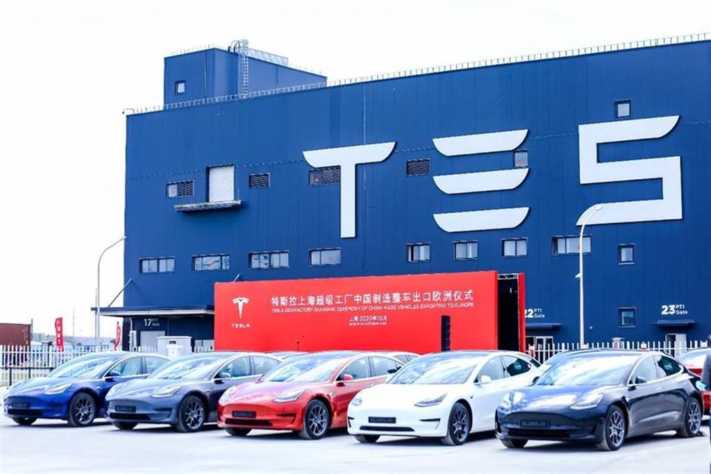 特斯拉上海工廠開始生產右駕版 Model 3,首批測試車已抵達香港