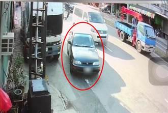 車輛自行爬坡撞4機車 未拉手煞車又誤排R檔肇禍