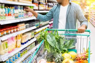 逛超市還沒結帳能先吃喝嗎?內行解答:國外很正常
