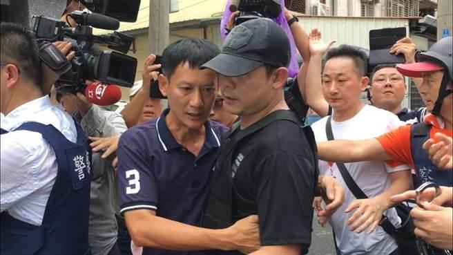 去年8月在嘉義民雄挾持民眾,並與警方駁火近5小時才棄械投降的嫌犯陳志明,從2013年起犯下彰化多起重大槍擊案件,落網後讓彰化警方鬆了一口氣。(本報資料照片)