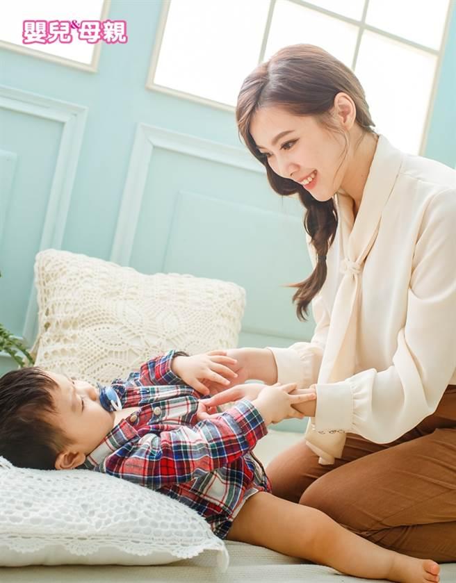 0~1歲嬰兒衣物怎麼買?10種類款式、特色、穿著眉角一次搞懂(圖/嬰兒與母親提供)
