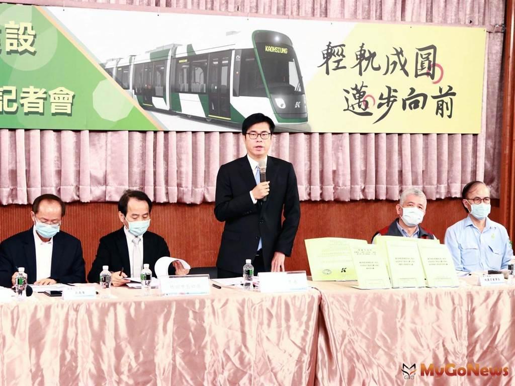 陳其邁宣布輕軌復工 宣示2023年底全線通車(圖/高雄市政府)