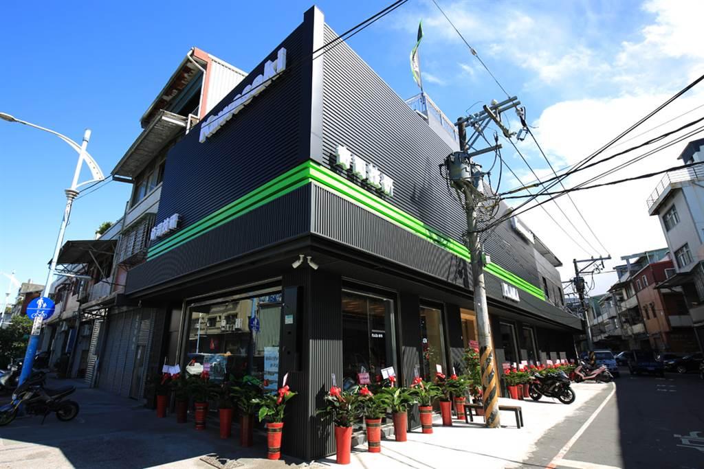 Kawasaki Motors Taiwan 奇司技研旗艦廣場隆重開幕