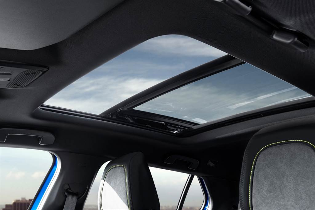 三款動力155hp車型提供Cielo全景玻璃車型可選擇。