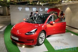 新版 Model 3 LR 電量增大至 82kWh,採用松下升級能量密度的新 2170 電池