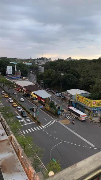 基隆微笑台北前叉路口車道量不足 尖峰時段回堵數公里