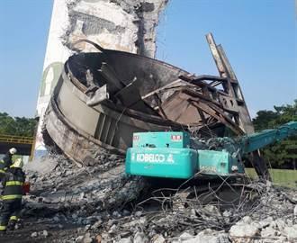 中油挖土機被建材砸中 工人傷重不治