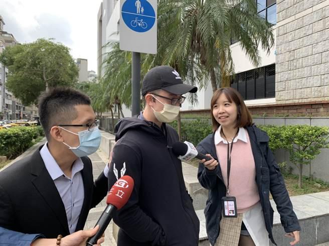 孫安佐遭控非法製造手槍三度出庭,低調說今天不方便發言。(李文正攝)