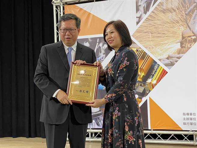 江西姑娘黃騏曼10年前創辦紫莉月子經紀公司,首創多家月子餐供產婦選擇,打出名號,去年擴大成立「紫莉幸孕莊園」。(蔡依珍攝)