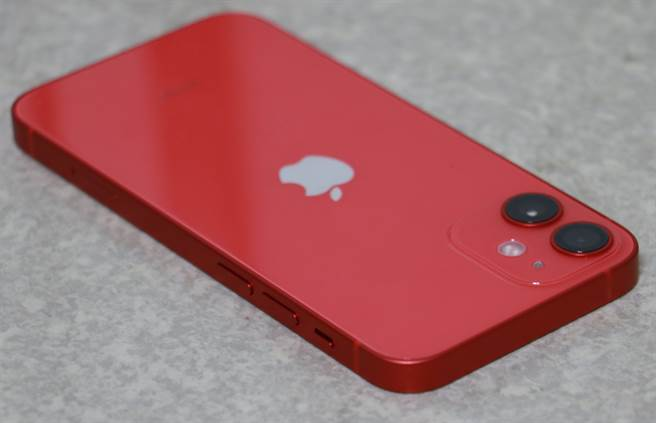 iPhone 12 mini左側機身。(摘自蘋果官網)