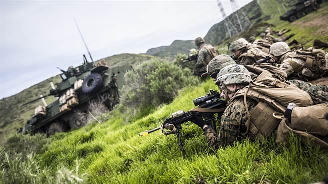 五角大廈聲明指出台灣與日本媒體報導的美陸戰隊來台,內容並不夠精確。圖為執行兩棲突擊訓練的美陸戰隊。(圖/DVIDS)