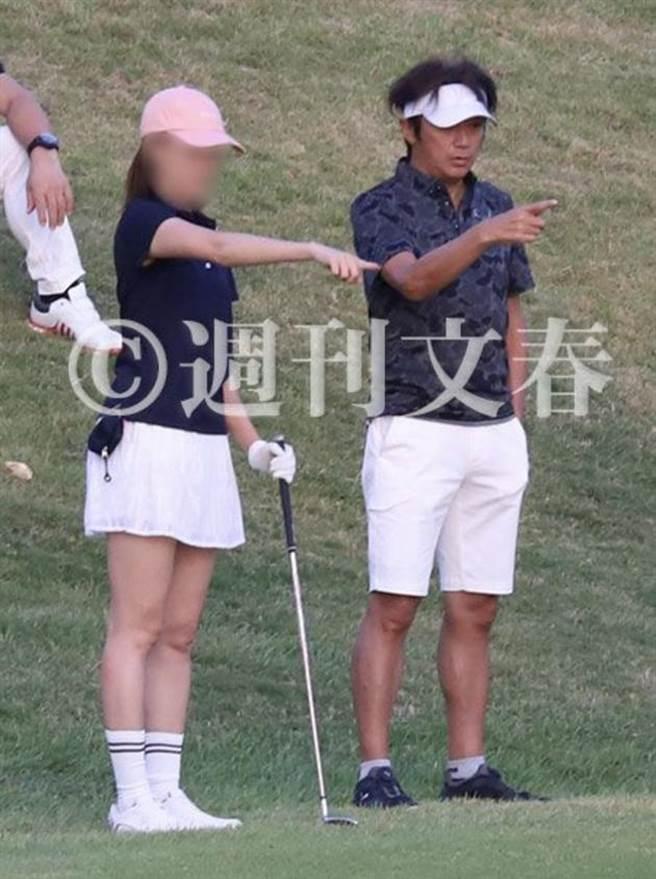 近藤真彥花心不改,再被踢爆婚後出軌31歲女社長,兩人還甜蜜赴沖繩展開不倫高爾夫之旅。(取自日網)