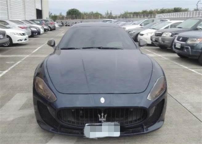 中檢舉辦扣押物拍賣,這輛知名跑車瑪莎拉蒂以40萬元起標,卻乏人問津。(翻攝網路/陳淑芬台中傳真)