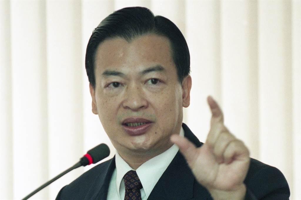 前主計長、現為孫文學校財經學院院長韋伯韜宣布參選國民黨主席。圖為1999年韋伯韜(原名韋端)任職主計長。(資料照/韓同慶攝)