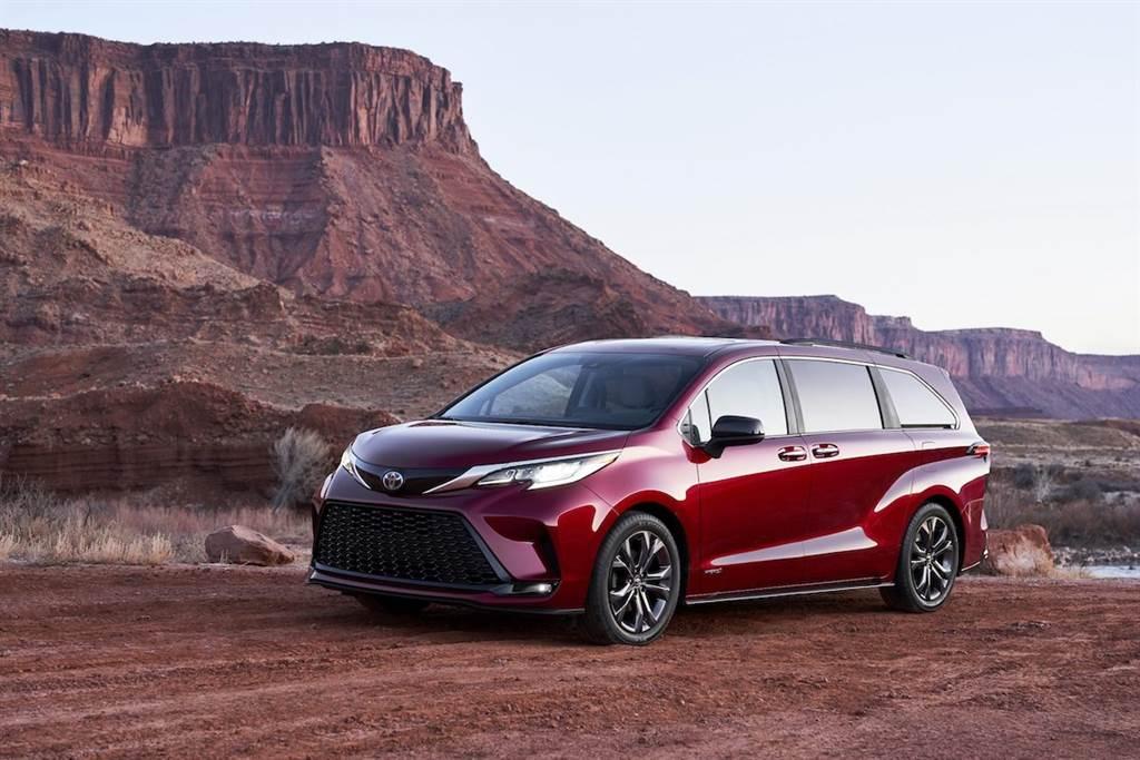 不再讓貿易商專美於前,Toyota Sienna 第四代「近乎零時差」11/24 先行抵台預賞