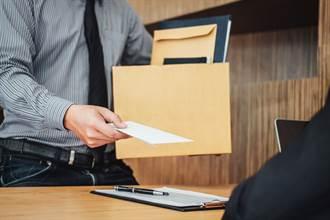 男5年不加薪天天加班提離職 老闆一句「上班只為錢」惹怒網