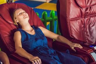 坐上按摩椅前必知 兩大禁忌時段+一個重要動作