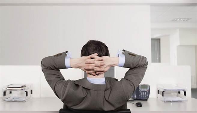 (性能力是健康指標,不只影響性事,工作狀態、生活品質也可能受影響。圖片來源:台灣男性學醫學會提供)