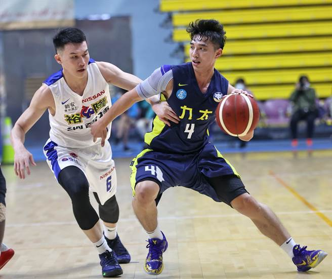 今年SBL狀元李漢昇(右)在12日觀護盃宣告傷癒復出。(觀護盃提供)