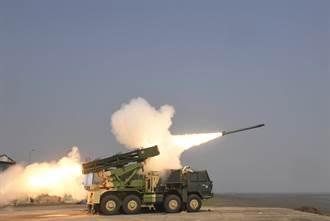 因應大陸與巴基斯坦兩面威脅 印度成功試射多管火箭