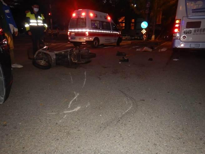 警方初步調查肇事原因,疑因未讓車與未減速發生車禍,肇因與責任歸屬還要進一步釐清。(民眾提供/盧金足台中傳真)