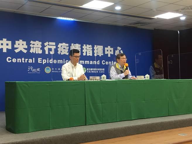 中央流行疫情指揮中心莊人祥表示,境外移確診創單日新高,但國內病床量能充足。(林周義攝)