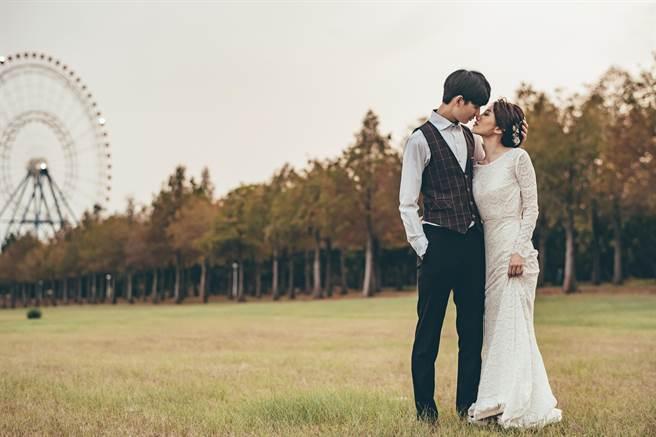 浪漫氛圍吸引新人前來取景拍婚紗。(麗寶樂園渡假區提供/陳淑娥台中傳真)