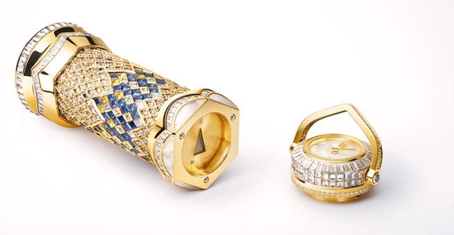 海瑞溫斯頓Ultimate Kaleidoscope珠寶萬花筒時計,透過三稜鏡可一窺彩寶的萬花美景,1716萬元。(海瑞溫斯頓提供)