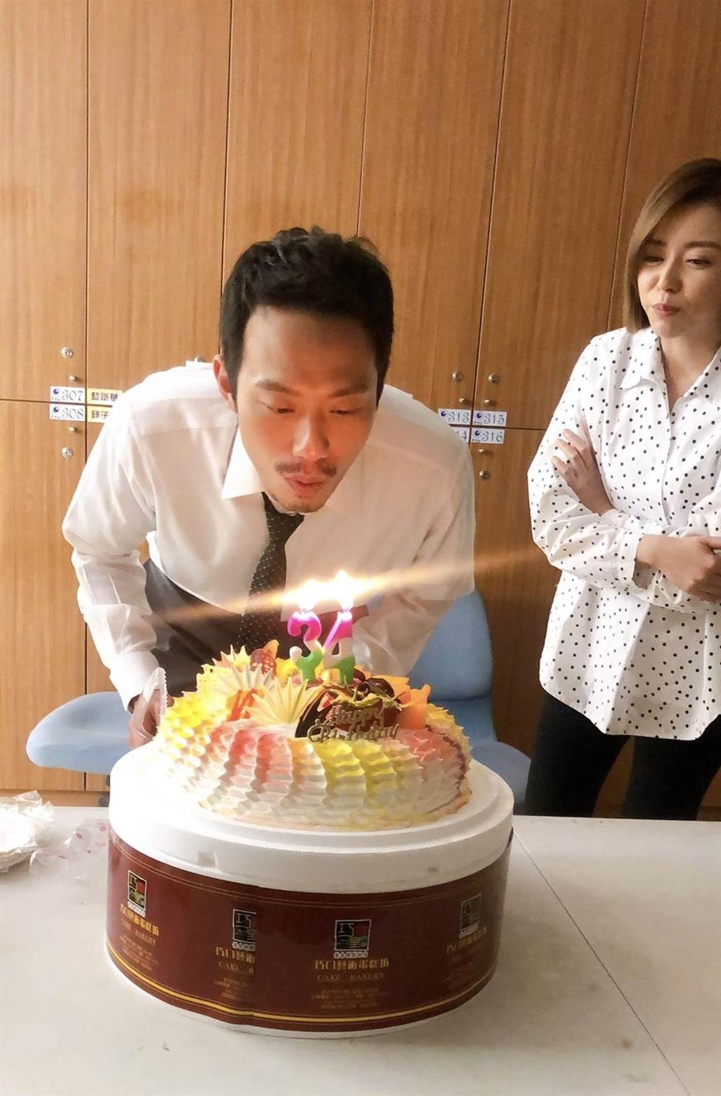 演员张哲豪日前过34岁生日。(民视提供)