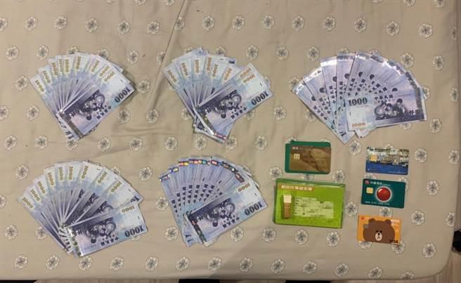祈姓男子坦承現金5萬是要交付給詐騙集團。(圖:警方提供)