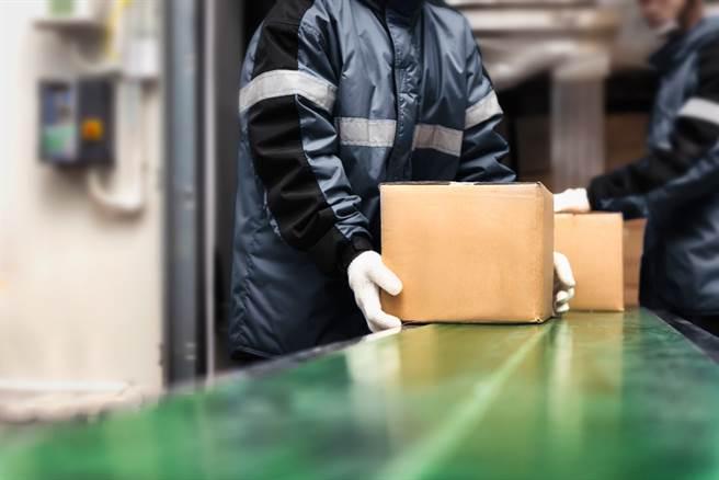 國外有冷凍食品包裝檢出新冠病毒的案例。(示意圖/Shutterstock)