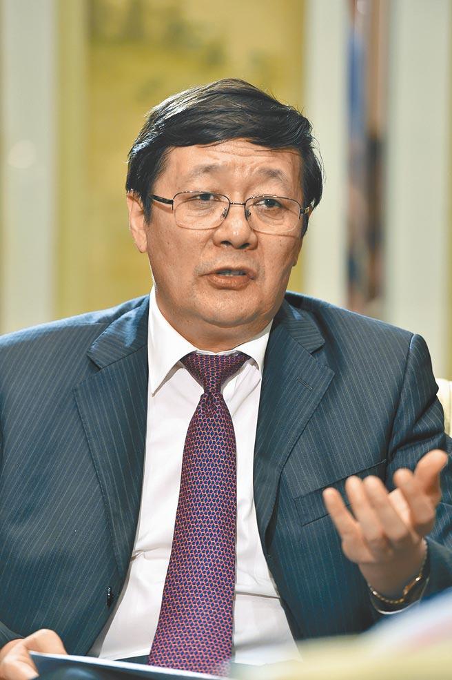 大陸全國政協常委、前財政部長樓繼偉。(新華社)