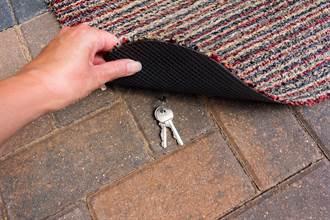 家門口藏鑰匙故意給小偷拿 男自揭真正用途超暖心