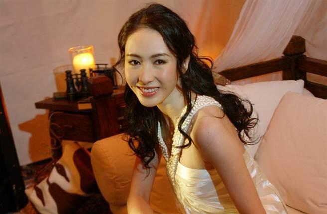 被封最美趙敏的黎姿,嫁給大15歲的「殘疾富商」馬廷強後息影。(圖/本報系資料照)