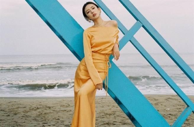 26歲大陸女星何瑞賢以電視劇《半妖傾城》走紅,今年則因《以家人之名》再度躍上版面。(圖/摘自微博@何瑞賢)