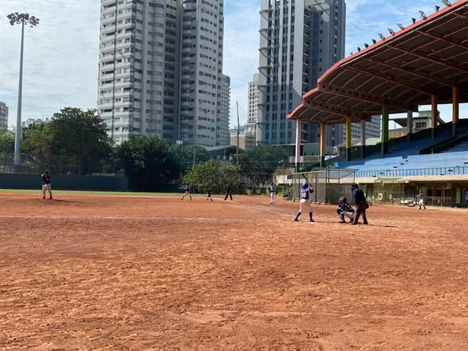 全國國中軟式組棒球賽台中開打,1300多名棒球好手較勁。(台中市政府提供/陳世宗台中傳真)