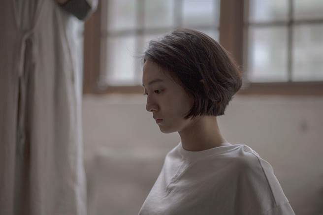 新秀演員韓寧主演公視人生劇展《月亮女孩》 飾演探索自我的大學女生「小希」。(公視提供)