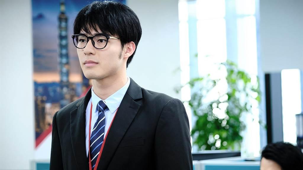 林柏宏Youtube频道邀请同剧演员陈昊森当来宾。(公视提供)
