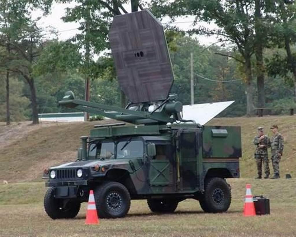 大陸網絡流傳的一篇2017年3月12日學術論文稱,解放軍微波武器已完成摧毀飛機試驗。(圖/鼎盛軍事)