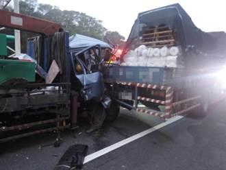 國道1后里段3大車連環撞 車頭撞歪慘變形 1駕駛急送醫