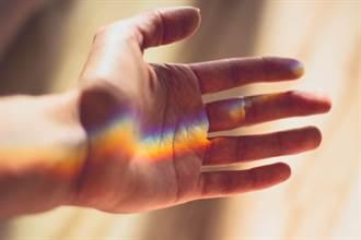 長時間手抖 是帕金森氏症嗎? 醫揭3種抖法 病因不同