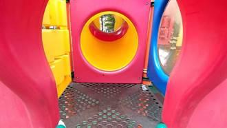 公園「嗯嗯啊啊」留戰利品 她帶幼女玩溜滑梯見這幕傻眼