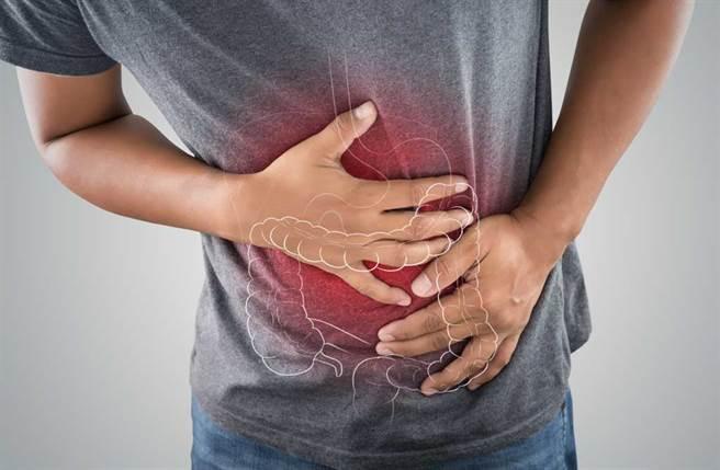「大腸癌」居台灣人罹癌項目之首,醫藥記者與醫師指出,日常3個習慣容易引癌上身,而你我很常做。(達志影像/shutterstock提供)