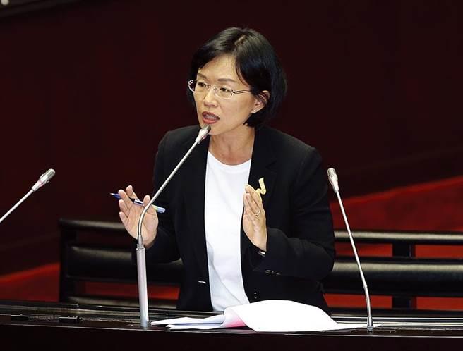 立法委员苏巧慧相信父亲苏贞昌不会报公帐,有没有打统编不是重点。(本报系资料照)