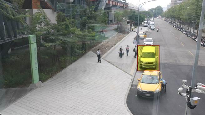 接駁點設在台鐵與捷運松竹站之間靠近台鐵松竹站側接駁,歡迎民眾多加利用。(台中慈濟醫院提供/陳淑娥台中傳真)