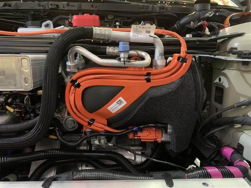 2021 年式新版 Model 3 熱泵在這裡!電耗優化無懸念,但同時也確定沒有加熱方向盤